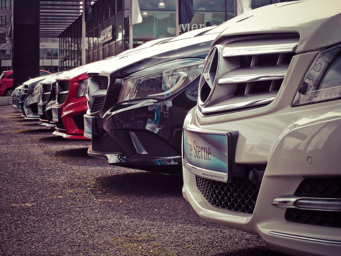 benz car dealership